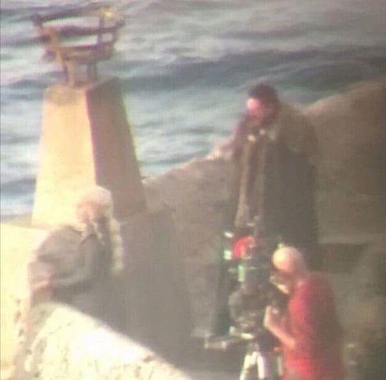 Инсайдеры «слили» фото встречи Дейенерис с «тем самым героем» и двойником Дрого
