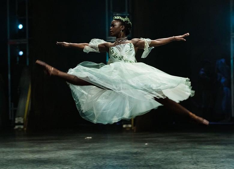 Мадонна поработает кинорежиссером и снимет драму о балерине