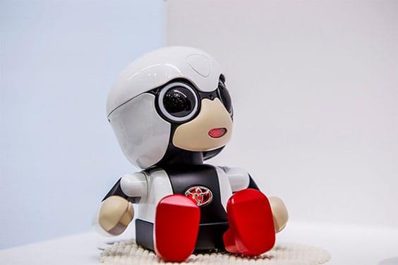 Компания Тойота представила младенца-робота для поднятия рождаемости