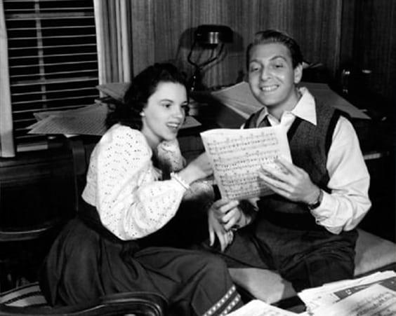 Рене Зеллвегер сыграет эстрадную певицу золотого века Джуди Гарлэнд вбиографическом кинофильме