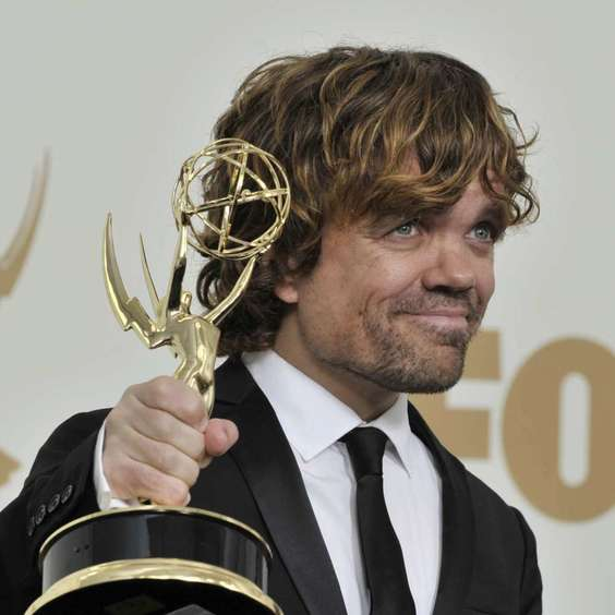https://fancy-journal.com/images/Articles_News/Mir_Zvezd/Vse_o_Znamenitostyah/2016/05/PeterDinklage/8.jpg
